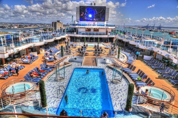 Cruise  British Isle by Gary Acaley