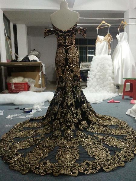 image-2-darius-cordell-custom-evening-gowns by Darius...