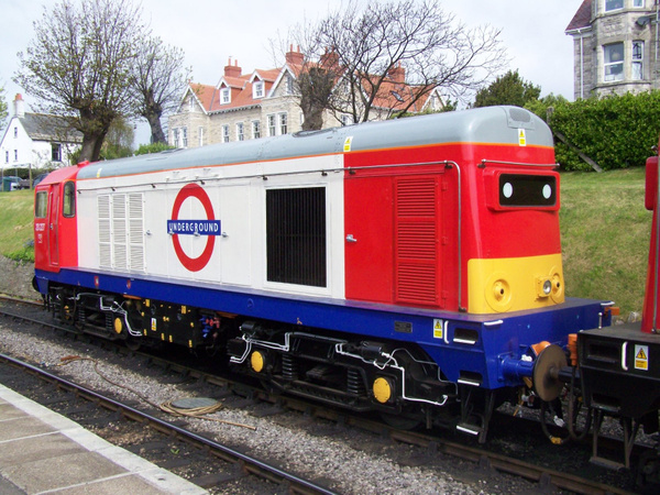 20227-2 Swanage 12-05-13 by AlvinKnight