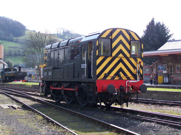 D3721 (09010) Buckfastleigh 30-03-13 by AlvinKnight