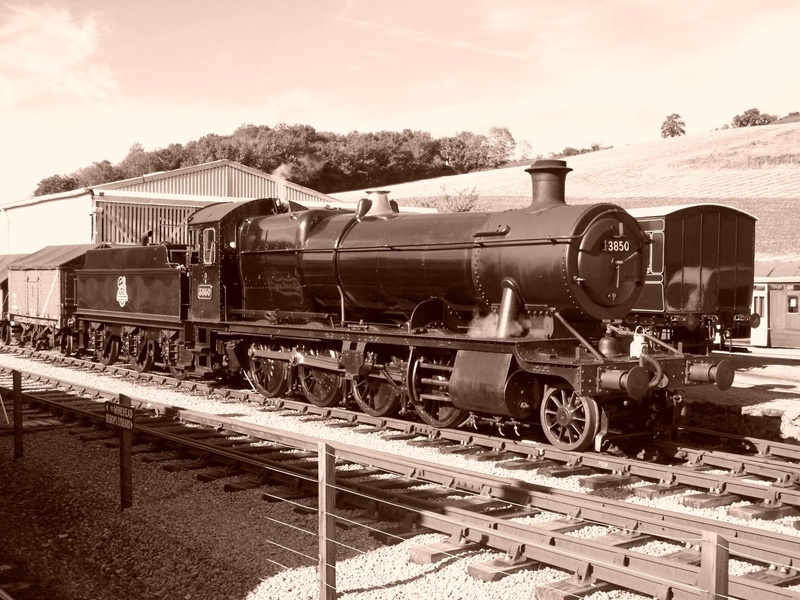 Sepia veiw of 3850 Shunting at Washford 06-10-12