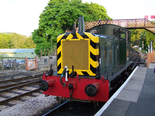 D2246 Buckfastleigh 25-05-13 (4) by AlvinKnight