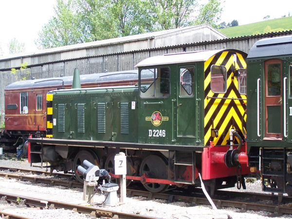 D2246 Buckfastleigh 25-05-13 by AlvinKnight