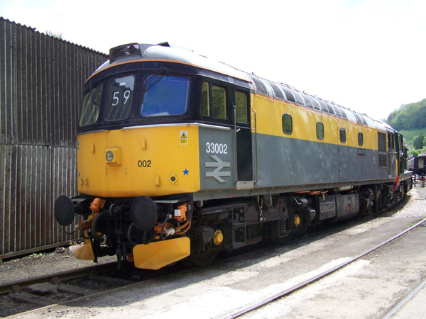 33002 Buckfastleigh 25-05-13 by AlvinKnight