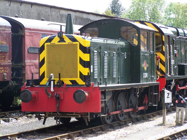 D2246 Buckfastleigh 25-05-13 (2) by AlvinKnight