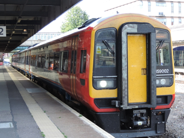 159002 Exeter Central 01-09-13 by AlvinKnight