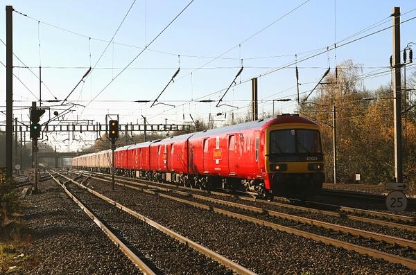Class 325 EMU by AlanHC22