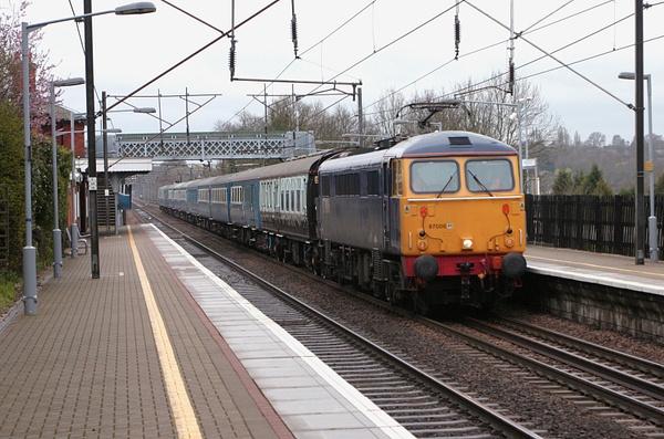 Class 87 by AlanHC22