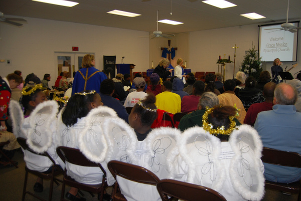 2010-12-19 Christmas Pagent by GraceMission