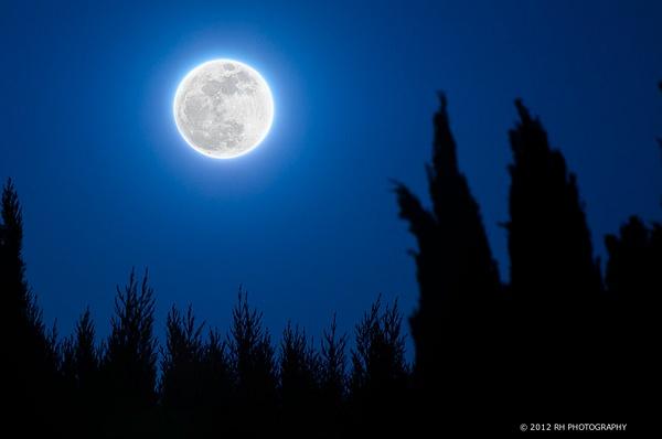Super Moon 2012 by Matt H by Matt H