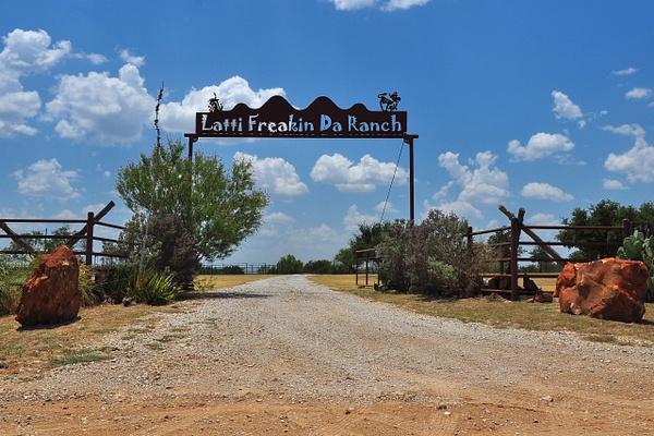 Latti_Freakin_Da_Ranch_Entrance by ArtCooler