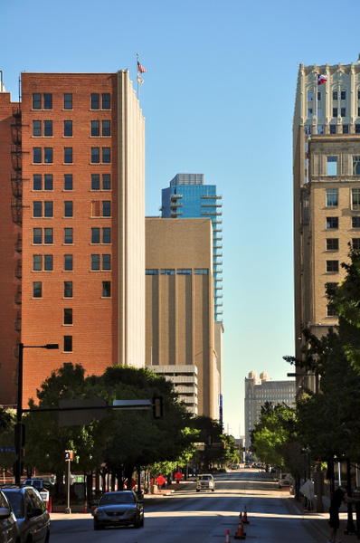 Downtown_Fort_Worth_looking_toward_Omni_Hotel by...
