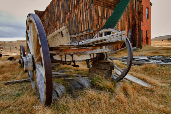 Old Wagon 2 Bodie-2010 HDR