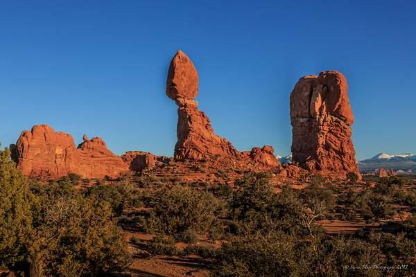 Balanced Rock Area- Arches NP-2