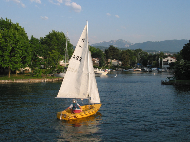 turning into wind to fix sail
