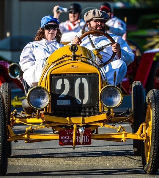 OLD CARS ENDURANCE RACE by Gino De  Grandis