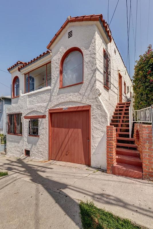 1220 N Ave 49 Los Angeles CA-large-005-14-TayBob0016Upload31-667x1000-72dpi