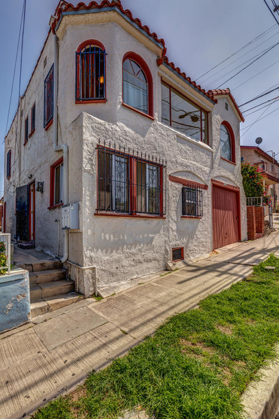 1220 N Ave 49 Los Angeles CA-large-003-7-TayBob0016Upload29-667x1000-72dpi by Cheryl90042