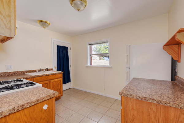 1220 N Ave 49 Los Angeles CA-large-031-27-TayBob0016Upload28-1500x1000-72dpi by Cheryl90042