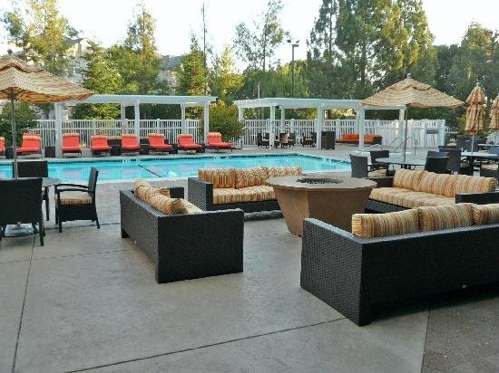 Marriott-Pleasanton-pool2 by TerryOwnes