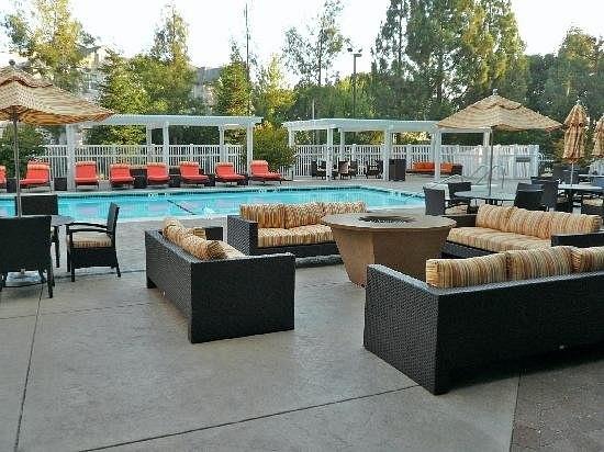 Marriott-Pleasanton-pool2