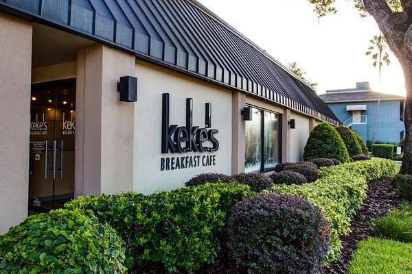 Restaurant | Keke's Breakfast Cafe - Winter Park by Snap & Play