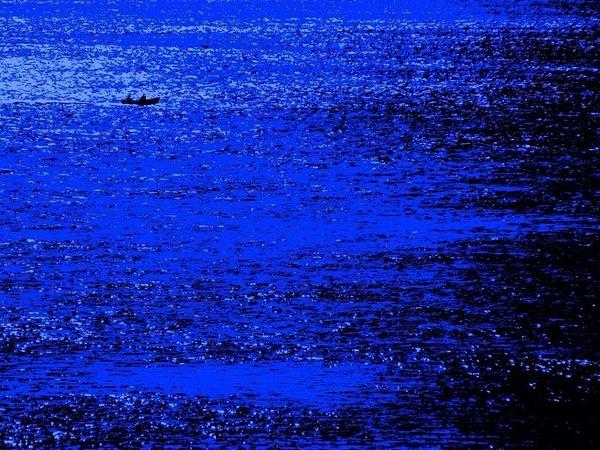 Bleu marine... by PaulMartin