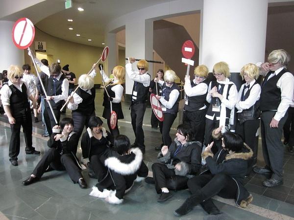 Shizuos cornered the Izayas by FhsAnimeClub