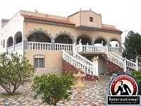 Alicante, Costa Blanca, Spain Villa For Sale - Great Detached Villa with Pool - SOP292