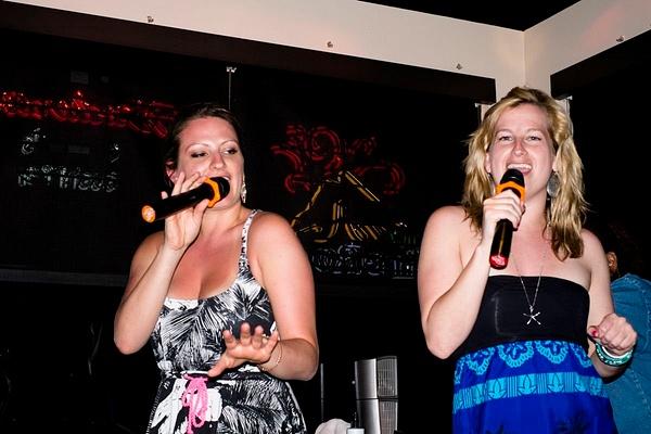 Karaoke_014 by LoreliAlviz