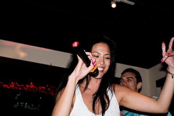 Karaoke_041 by LoreliAlviz