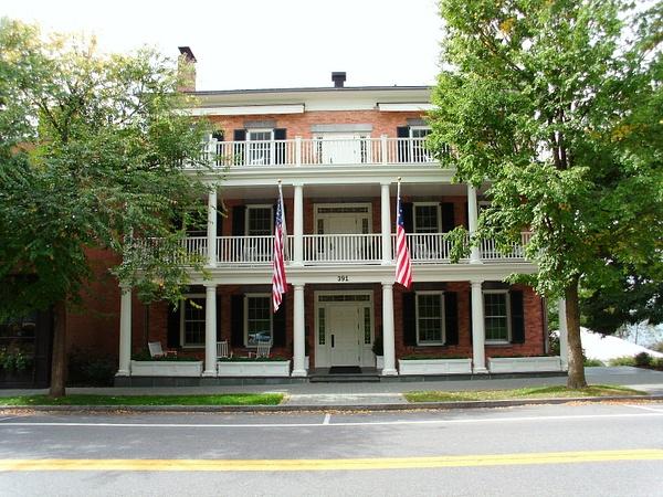 Aurora Inn Front View by DouglasGellatly