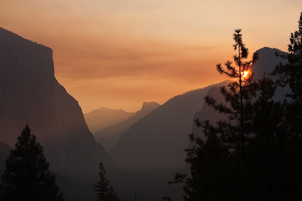Yosemite Sunrise by j0ser