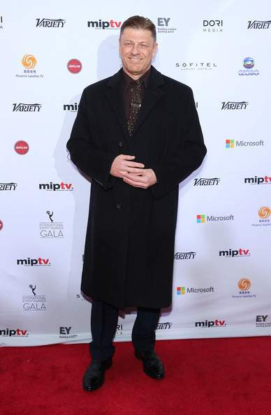 Sean+Bean+Arrivals+International+Emmy+Awards+IHWJEkIabbZl