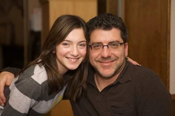 Lauren w/ Bruce, Dad   2010Thanksgiving36
