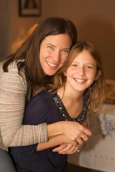 Morgan w/ Sheryl, Mom  2010Thanksgiving41