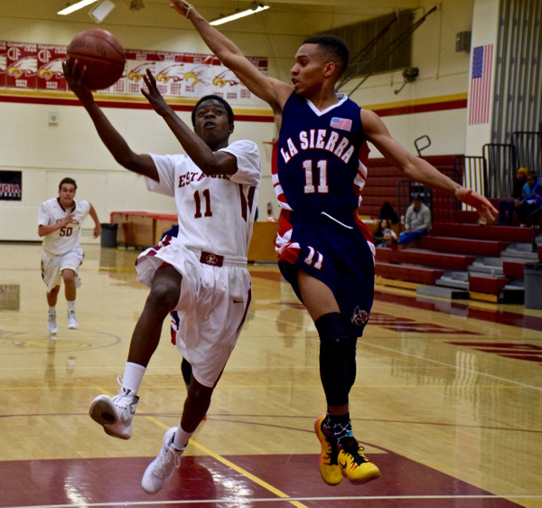 Coast Classic Estancia vs La Sierra 12/26/15 by Robert Pettingill