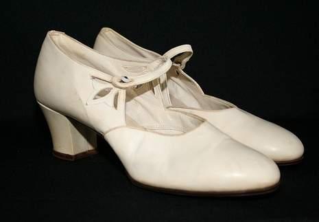 Shoes-from-the-1920s-via-mylusciouslife.com_