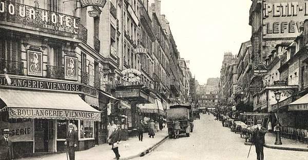 800px-Paris_Montmartre_in_19251
