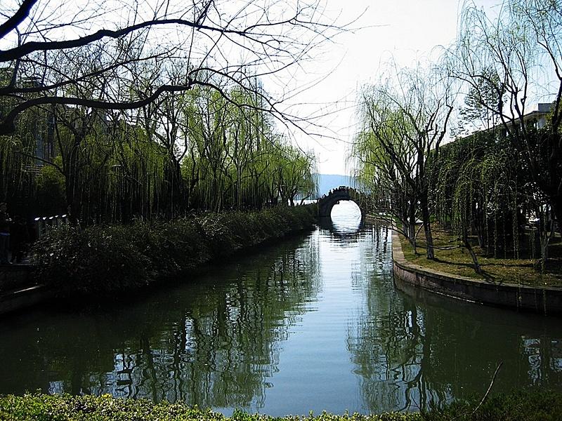 Hangzhou_OneOfTheMillBridges
