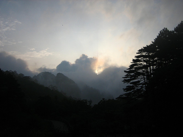 HuangShan 113 ByeByeSun by StefsPictures