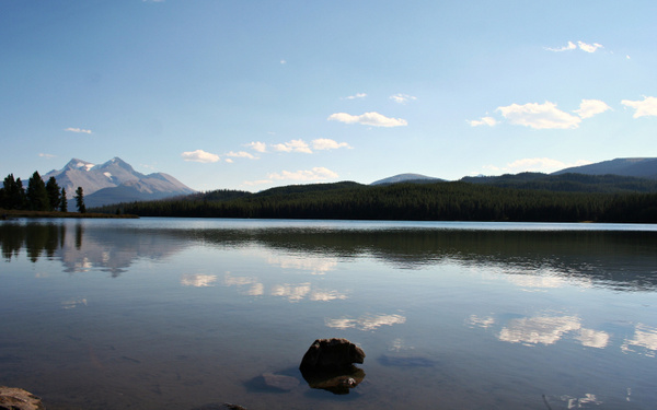 Rocky Mountains - Maligne Lake by StefsPictures