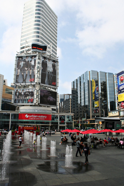 Toronto_DundasSquare_127 by StefsPictures