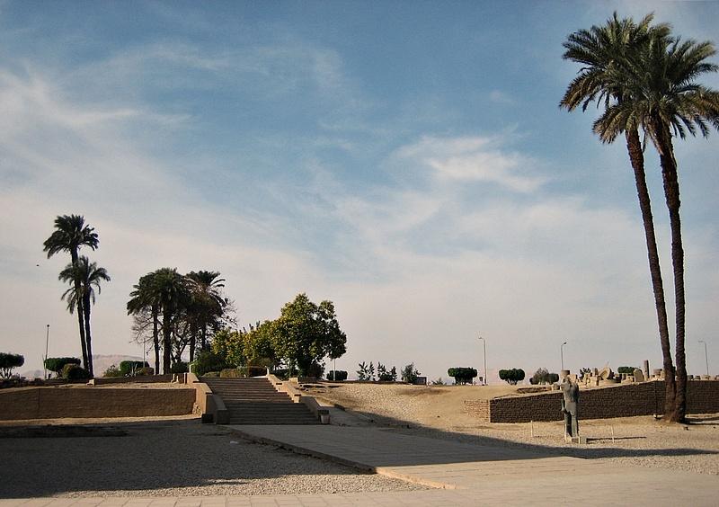 064 Luxor Temple