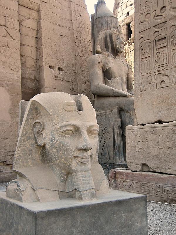 062 Luxor Temple