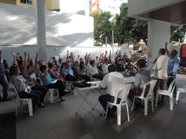21/05/2015 - Assembleias Setoriais na JF-GO e TRE-GO by...