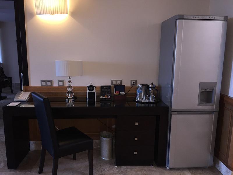 Workstation and full refrigerator
