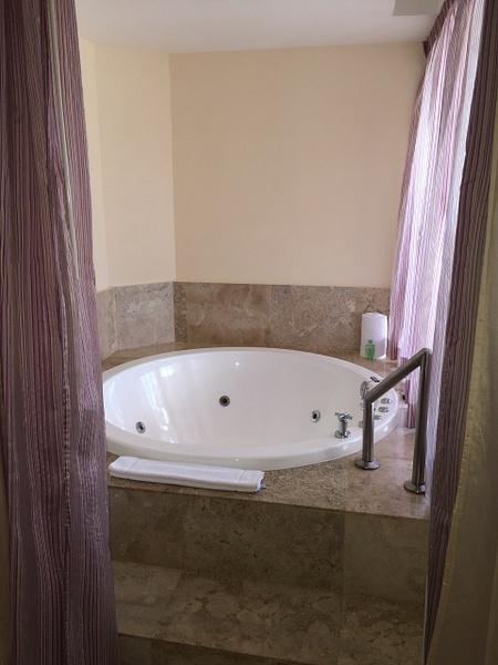 Jacuzzi tub by Lovethesun