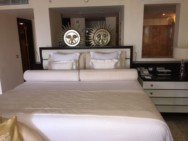 King size bed by Lovethesun
