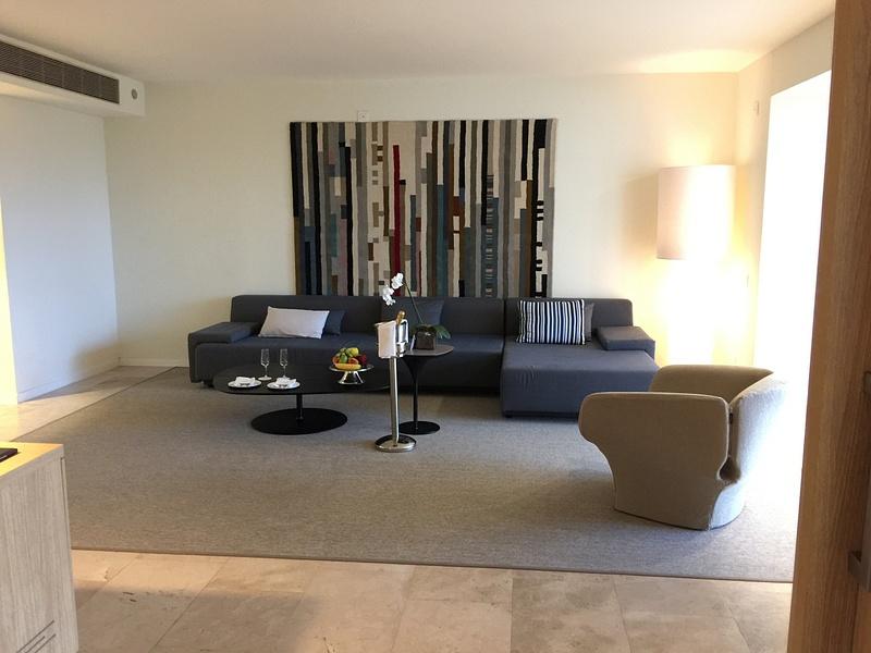 EC Imperial Suite living room